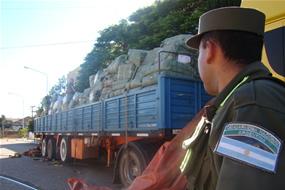 gendarmeria_contrabando_ropa